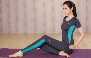 13 3 1 - How To Choose Suitable Clothes For Hot Yoga? 9 Tips To Help You - Custom Fitness Apparel Manufacturer