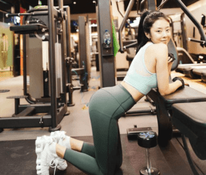 4 7 1 - What Do Girls Wear In The Gym? 7 Sets of Gym Wear For Girls - Custom Fitness Apparel Manufacturer