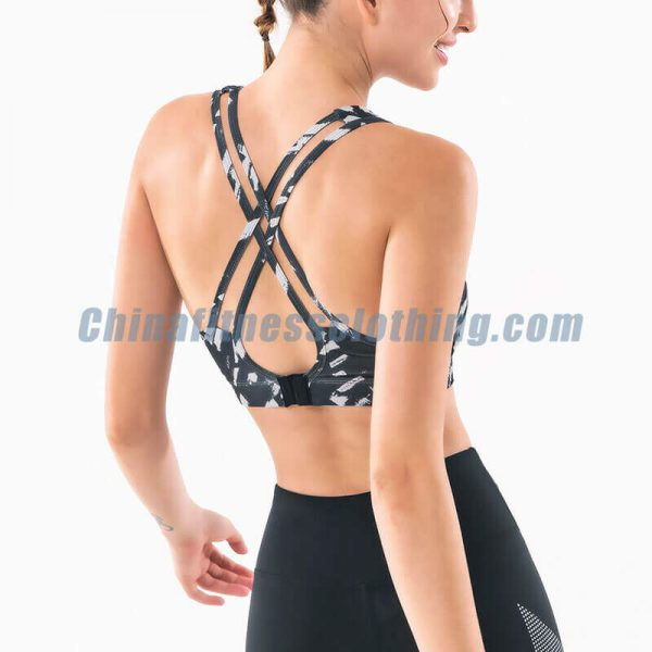 Custom black and white sports bra in bulk - Black and White Sports Bra Wholesale - Custom Fitness Apparel Manufacturer
