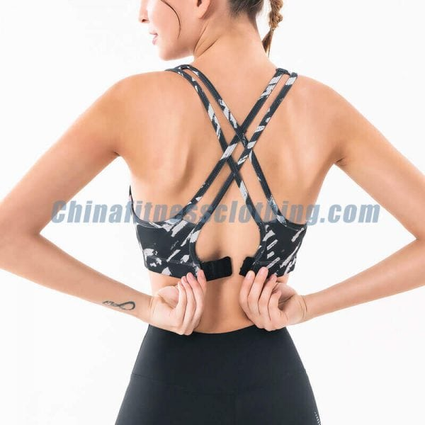Wholesale Black and white sports bra manufacturers - Black and White Sports Bra Wholesale - Custom Fitness Apparel Manufacturer