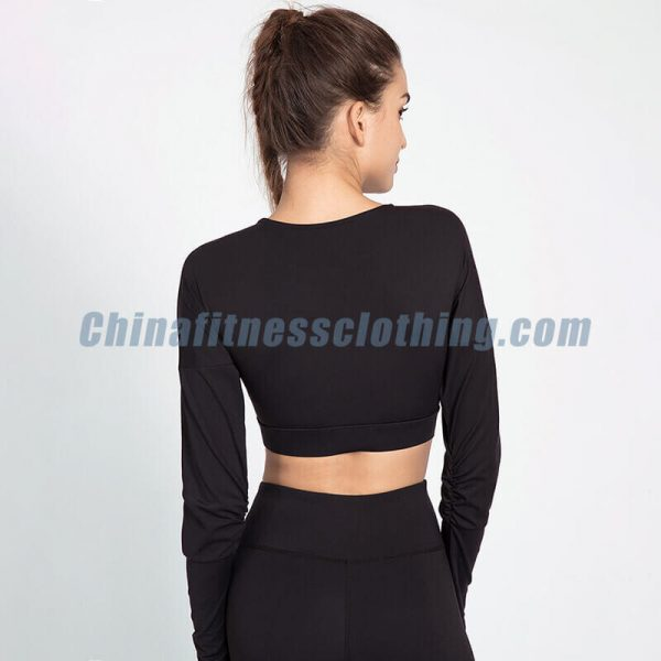 Wholesale black and white long sleeve crop top - Black and White Long Sleeve Crop Top - Custom Fitness Apparel Manufacturer