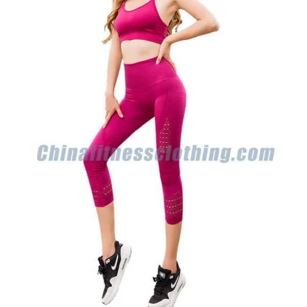 Wholesale-rose-red-mesh-capri-leggings-manufacturer