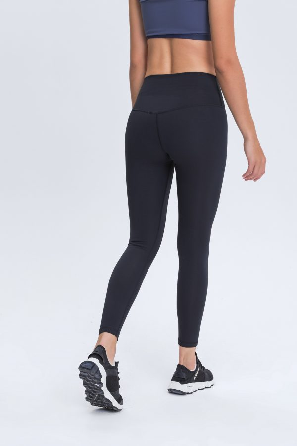 Black Gym Leggings Womens Wholesale 3 scaled - Black Gym Leggings Womens Wholesale - Custom Fitness Apparel Manufacturer