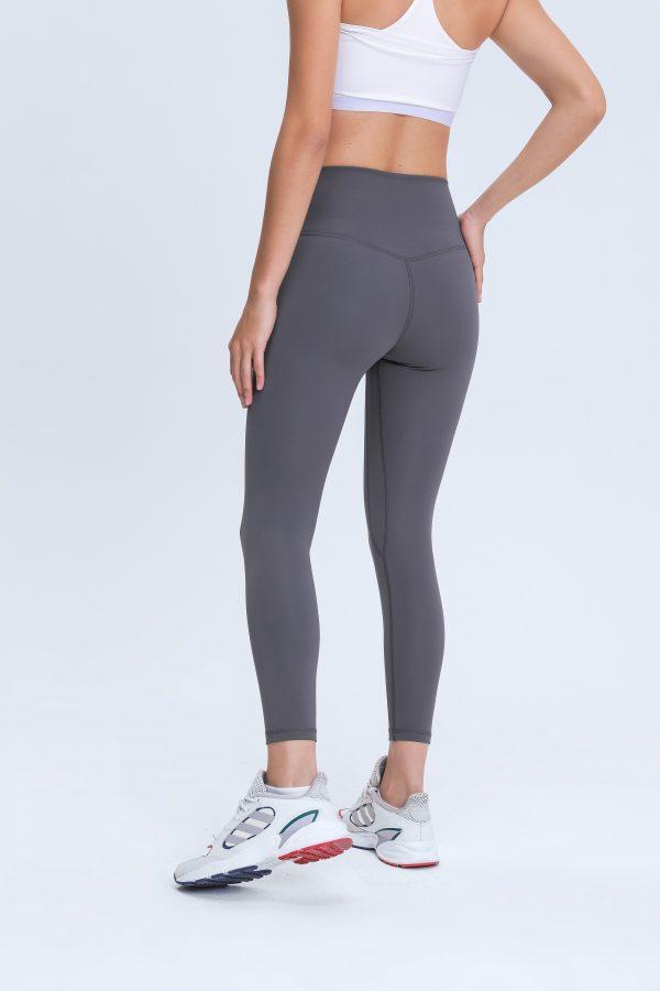 Grey Sports Leggings Wholesale2 scaled - Grey Sports Leggings Wholesale - Custom Fitness Apparel Manufacturer