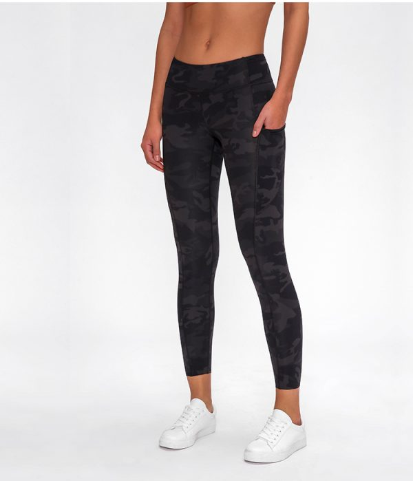 tights with pockets2 - Tights with Pockets Wholesale - Custom Fitness Apparel Manufacturer