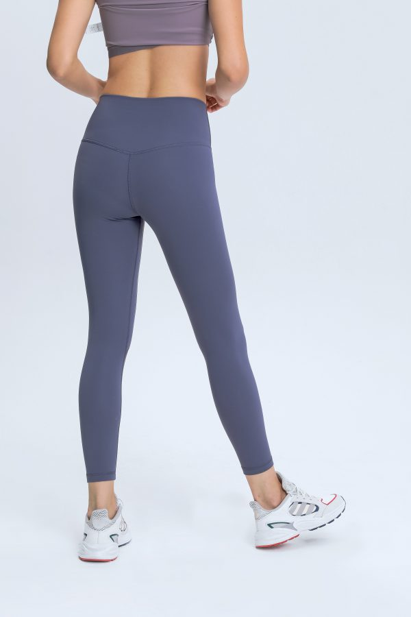 workout leggings with pockets1 scaled - Workout Leggings with Pockets Wholesale - Custom Fitness Apparel Manufacturer