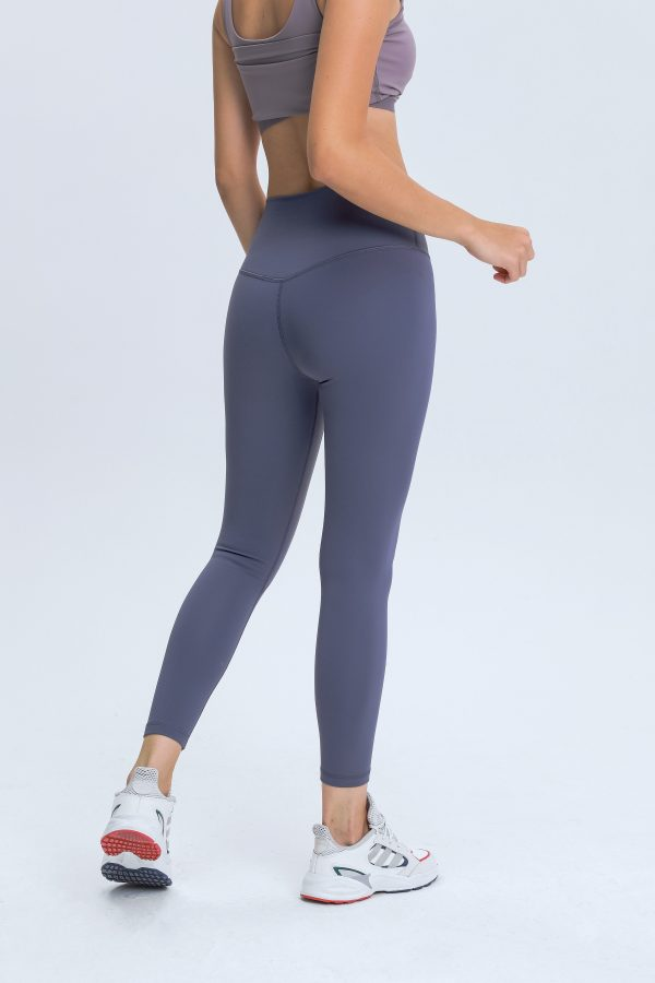 workout leggings with pockets2 scaled - Workout Leggings with Pockets Wholesale - Custom Fitness Apparel Manufacturer